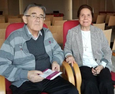 P Pierli MCCJ y Teresita CMS